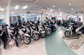 Motoden Honda dealer showroom2